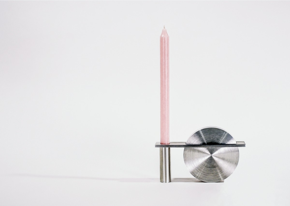 Carriage candleholder
